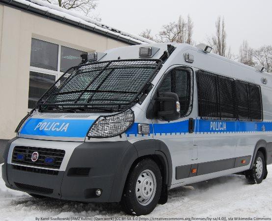 Policja Wałbrzych: Zbliża się weekend. Właściwie przygotuj rower, włóż kask i zadbaj o swoje bezpieczeństwo podczas jazdy jednośladem
