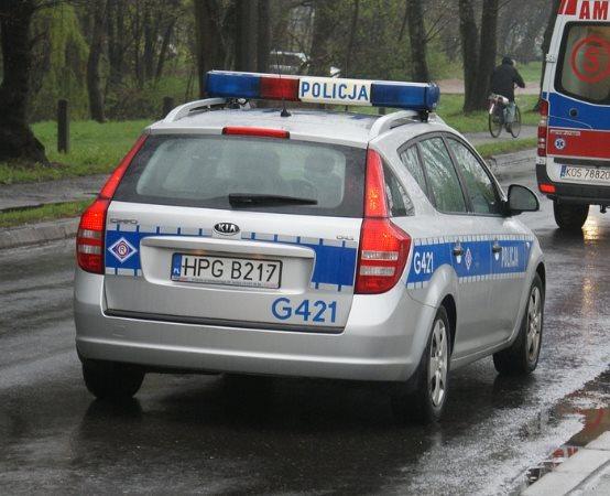 Policja Wałbrzych: Policjant z Boguszowa-Gorc w czasie wolnym od służby zatrzymał dwóch sprawców kradzieży, a pomogli mu w tym mieszkańcy. Przestępcy trafili już do aresztu na 3 miesiące