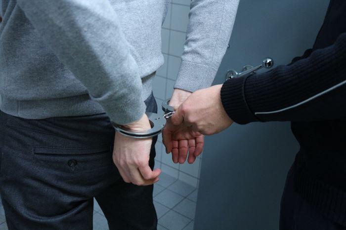 Policja Wałbrzych: Jechali na zakazach sądowych. Zostali zatrzymani przez wałbrzyskich policjantów