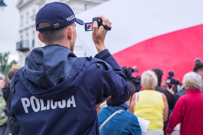 Policja Wałbrzych: Chroń swój ogródek, piwnicę oraz komórkę. Nie daj się okraść!